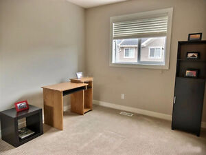Room for Rent in South Terwillegar Townhome with Garage - Female