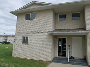 3 Bedroom, 2 Bathroom Townhouse - End Unit! $400 Signing Bonus!