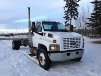 GMC 7500 SINGLE AXLE CAB AND CHASSIS