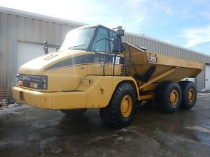 VERY LOW HOUR 2006 Caterpillar 725 Articulated Rock Truck