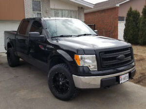 Clean 2013 Ford F-150 SuperCrew Pickup Truck
