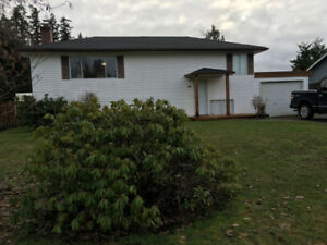 3 Bedroom house in Parksville. Avail Feb 1