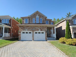 Beautiful 4 Bdr detached home looking for professional family