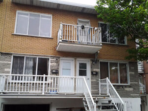 Renovated 3-bedroom Upper Duplex with Parking - $850 negotiable