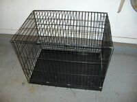 Cage avec le fond en grillage