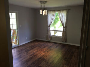 1 Room available in 6 Bedroom / 2 Bath home, recently renovated Belleville Belleville Area image 3