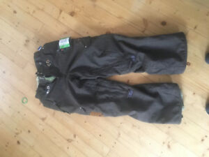 686 snowboard pants, like new, super warm and keep you dry