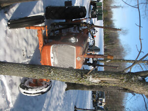 Allis Chalmers D - 14 Tractor with Loader Cornwall Ontario image 3