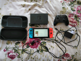 Nintendo switch V2 with carry case, wireless controller and Minecraft