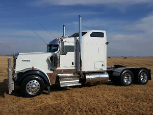 2006 Kenworth W900L  Rebuilt Engine ,  Pre-Emission