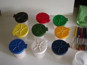 PAINT CUP SET (10 CUPS) SPILL PROOF - INCLUDES BRUSHES, ETC.