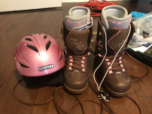 Free- Women's snowboarding boots and helmet