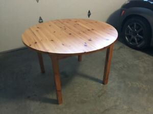 Table with Leaf