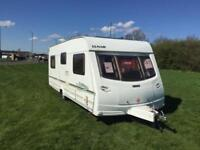 (47) 2004 LUNAR LEXON ES *FIXED BED* 4 BERTH SINGLE AXLE TOURING CARAVAN