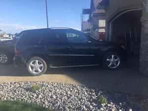 2008 Mercedes-Benz ML 320 CDI SUV  Sports Pkg, Premium Pkg.