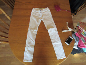 WOMENS/GIRLS ABERCROMBIE AND HOLLISTER JEAN LOT