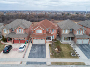 4 Bedroom Detached W/Ravine Lot and Walk Out