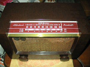 Antique radios and radio tubes for sale