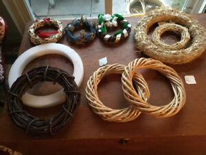 """Pack of 9 New Wreaths - 6"""" to 12"""""""