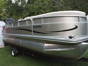 Wanted pontoon boat. Can pick up today.