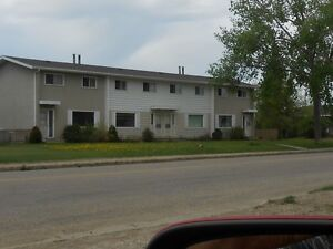 REDUCED TOWNHOUSE GRIMSHAW 15MIN TO PEACE RIVER