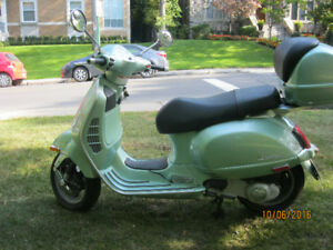 """Vespa Grand Tourismo 200 CC 2006 """