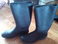 Womnens rubber boots size 10