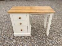 Desk with 3 drawers