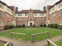 2 bedroom flat in High View Court, Harrow Weald, HA3