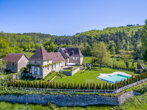Superb French 17th century stone built country house in Vézère