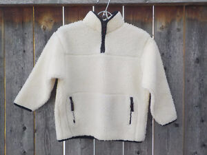 GAP KIDS - IVORY FLEECE JACKET WITH NAVY RIBBING - SIZE 5/6