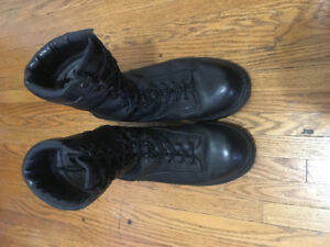 Canadian Army Goretex Boots
