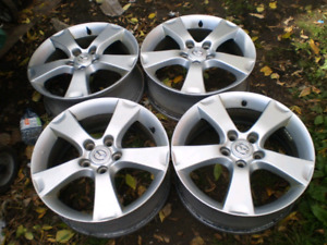 Set of 4   17 inches rims. 225/65/17