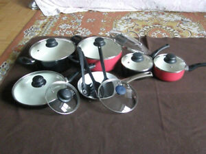 Large cooking set: pots, pans, cutting board, pressure cooker