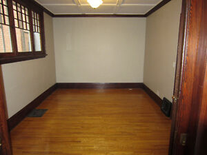 LARGE TWO BEDROOM AVAILABLE London Ontario image 7