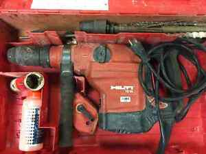 HILTI TE56 like new with a case & bits