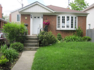 HOMESTAY AVAILABLE IN ETOBICOKE FOR INTERNATIONAL STUDENTS