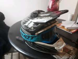 Mens M tld helmet $160 with goggles