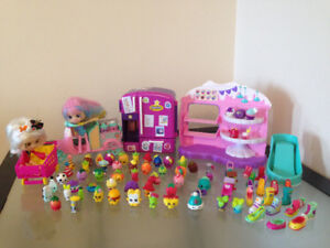 Shopkins figures, playsets and shoppies lot
