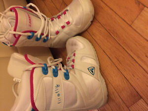 Girl's snowboard boots
