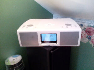 TEAC PORTABLE SPEAKER FOR IPOD OR MP3 ALSO HAS RADIO AND CLOCK.