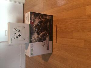 Xbox One S 1TO Bundle Brand new-flambant neuve