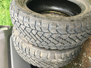 2 tires 205/55r16 40$$ WAS 50$