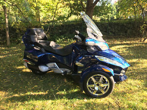 CAN-AM SPYDER RT-S 2010 (TOURING)