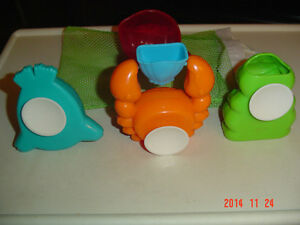 5 PC. TODDLER BATH TIME TOY KIT WITH HANDY DRYING BAG Windsor Region Ontario image 2