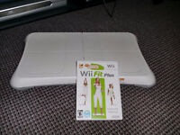 Wii balance board and Wii fit, perfect condition