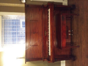 Player piano with sheet music!!
