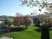 Top Floor Condo facing courtyard, Penticton