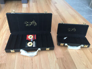 2 strong poker chip cases