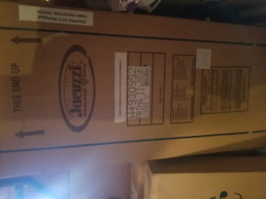 Medium Jacuzzi Whirlpool for sale in box